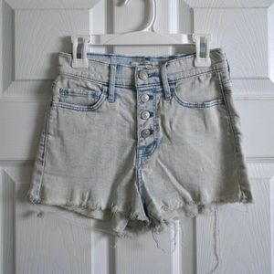 Abercrombie & Fitch Frayed Buttoned Jean Short 00